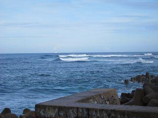 12/08/30 ようやく海に入りました。 真栄田岬